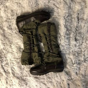 EUC  Lands End 8.5 Olive/Brown Lace Insulated Boot